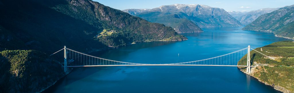 Dr Kusano investigates the design optimisation of long-span suspension bridges, such as the Hardanger Bridge in Norway.